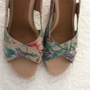 Sofft wedge shoes.